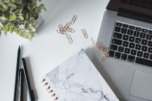 7 Top Blogging Tools Every Business Needs to Use